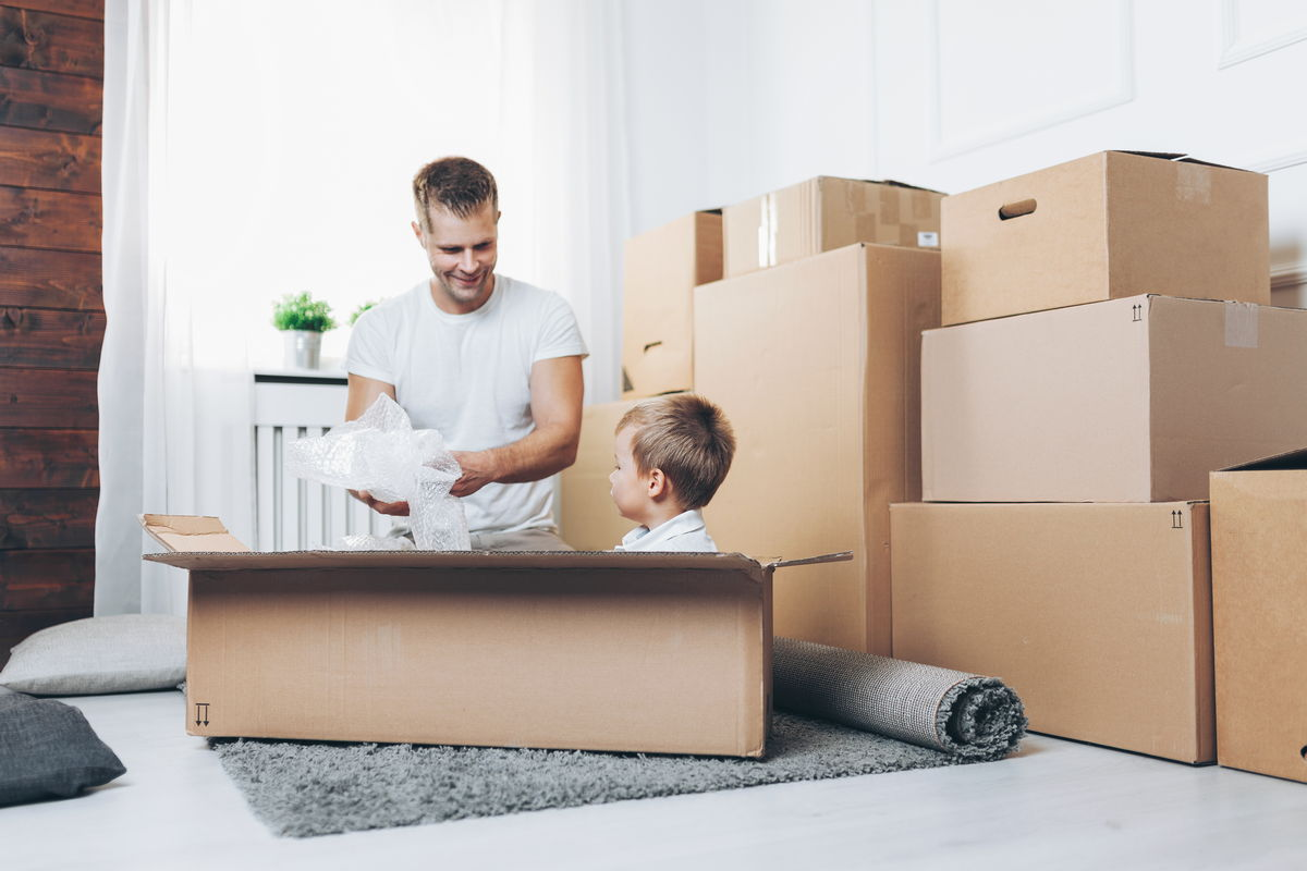 Moving expenses moving expenses What Are Moving Expenses? moving concept father and son moving to a new RZH9E7T